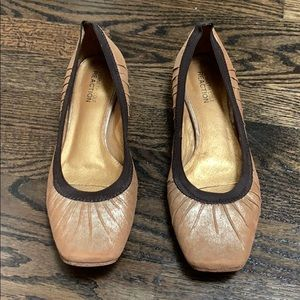 Kenneth Cole reaction flats size 8